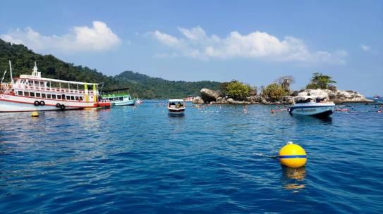 """อุทยานฯเกาะช้างวางทุ่นจอดเรือและทุ่นแนวเขต อนุรักษ์แนวปะการัง แหล่งดำน้ำ""""หมู่เกาะรัง"""""""